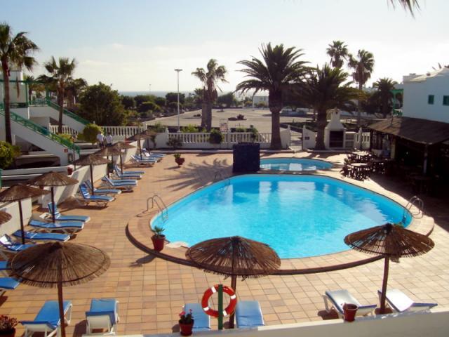 Playa Park Apartment Communal Pool - Playa Park Apartment , Puerto del Carmen, Lanzarote